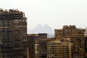 View of the Pyramids of Giza, from the centre of Cairo. - Howard Davies - 07-11-2006