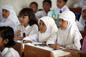 School children displaced by the tsunami at a muslim school Indonesia. - Jim Holmes - 14-02-2005