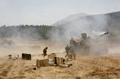 Israeli tanks fire on Lebanon border. Many of the soldiers are reservists - Thomas Morley - 07-08-2006