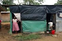 Tsunami IDP camp, Sri Lanka. - Tom Parker - 25-11-2005