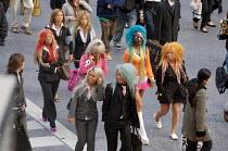 Gothic punks in Shibuya, Tokyo. - Tom Parker - 04-04-2007