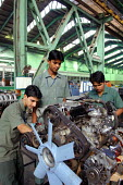 Trainee workers at Tata factory in Pune, the largest Indian car manufacturer, employing around 11,000 workers. Once simply a manufacturer of commercial trucks, Tata is now the 2nd most popular car in... - Tom Parker - 02-02-2007
