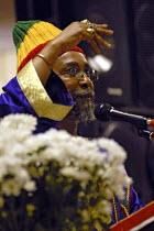 Itabaria Napthali president of the Haile Selassie I Peace Foundation speaking in devotion in Birmingham - Timm Sonnenschein - 06-05-2006