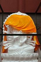 Brand new 1000 armed Kuan Yin sculpture arriving at the Jade Buddha Temple, Shanghai, China - Timm Sonnenschein - 2000s,2005,Amitabha,ace art arts culture,archetypal,archetype,armed,ARRIVAL,arrivals,arrive,arrived,arrives,arriving,artwork,artworks,Avalokiteshvara,bodhisattva,bodhisattvas,Brand,Buddha,Buddha's,B