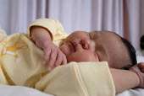 A new born baby, Birmingham Womens Hospital - Timm Sonnenschein - 23-06-2007