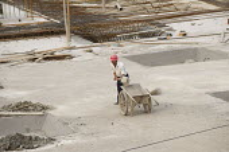 Worker on a construction site. China - Timm Sonnenschein - 26-07-2011