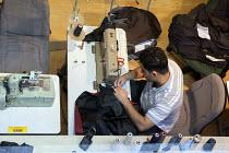 Sewing a jacket at Glenn Models LTD, London - Timm Sonnenschein - 15-07-2012