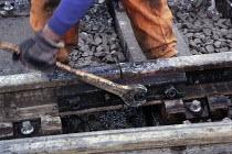 Railway maintenance. - Len Grant - 20-02-2002