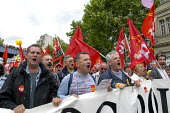 French trade union members march through Paris against the governments proposed pension reforms and public sector restructuring and privatisation plans - Paul Mattsson - 2000s,2003,activist,activists,against,Banner,BANNERS,CAMPAIGN,campaigner,campaigners,CAMPAIGNING,CAMPAIGNS,CGT,Cuts,DEMONSTRATING,demonstration,DEMONSTRATIONS,Dispute,Disputes,eu,Europe,european,europ