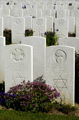 British and Commonwealth first world war cemetery at Mont Huon, Somme region, France. There are around 3000 buried here. Graves of two Jewish soldiers - Paul Mattsson - 07-06-2004