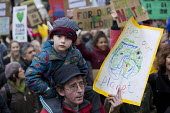 The People's March for Climate, Justice and Jobs. London. - Jess Hurd - ,2010s,2015,activist,activists,boy,boys,CAMPAIGN,campaigner,campaigners,CAMPAIGNING,CAMPAIGNS,child,CHILDHOOD,children,climate change,COP 21,cop21 Paris,DAD,DADDIES,DADDY,DADS,DEMONSTRATING,Demonstrat