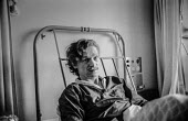 Bloody Sunday, Derry 1972. Michael Bridges, one of those injured when British paratroopers opened fire on a civil rights march in Londonderry recovering in hospital. - Martin Mayer - 31-01-1972