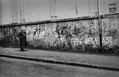 Northern Ireland 1971 Anti British graffiti slogan Welcome to Free Belfast an area of the Ardoyne controlled by the IRA after the imposition of internment without trial. - Martin Mayer - 21-08-1971