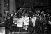 London School of Economics (LSE) strike and sit-in over disciplinary action taken against two union officials 1967. David Adelstein, president of the Students Union and Marshall Bloom, president of th... - NLA - 13-03-1967