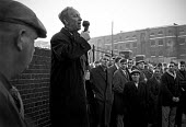 Docks strike 1967. Jack Dash speaking to dockers at a mass meeting outside the Royal Docks, London - NLA - 26-09-1967