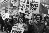 Shrewsbury Two: national demonstration calling for the release from jail of Ricky Tomlnson & Des Warren for their trade union activities, 1975. - John Sturrock - 1970s,1975,activist,activists,at,CAMPAIGN,campaigner,campaigners,CAMPAIGNING,CAMPAIGNS,DEMONSTRATING,Demonstration,DEMONSTRATIONS,jail,member,member members,members,people,Protest,PROTESTER,PROTESTERS
