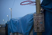 Jungle Books. The makeshift Jungle refugee camp, Calais, France. - Jess Hurd - 19-02-2016