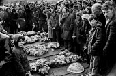 Bloody Sunday, Derry 1972. Funeral of the Derry 13 after the Bloody Sunday shooting by British paratroopers - Martin Mayer - 02-02-1972
