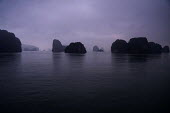 Karst islands, Ha Long Bay, North Vietnam - David Bacon - 2010s,2015,Asia,asian,asians,asiaregi,bay,beautiful,Beauty,ENI,environment,Environmental Issues,Ha Long Bay,Halong Bay,Hanoi,island,islands,karst,karst islands,nature,OCEAN,sea,seashore,shore,shores,S