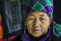 Hmong woman in traditional indigo dyed clothing, Sapa mountains, Vietnam - David Bacon - 16-12-2015