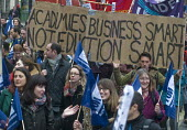 Teachers and supporters protest against Government plans to force every school to turn into an academy. - Stefano Cagnoni - 2010s,2016,Academies,Academy,activist,activists,against,anti,banner,banners,CAMPAIGN,campaigner,campaigners,CAMPAIGNING,CAMPAIGNS,DEMONSTRATING,demonstration,DEMONSTRATIONS,education,Government,member