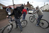 Teenagers on the streets, Easington Lane, Hetton, Tyne and Wear - John Harris - 24-03-2016