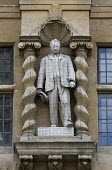 Statue of the British imperialist Cecil Rhodes, Oriel College University of Oxford - John Harris - 16-04-2016