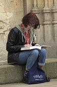 Student reading, Catte Street, Oxford - John Harris - 16-04-2016