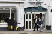 Shoppers and BHS Store Stratford-upon-Avon Warwickshire. 11,000 jobs go as Retail Acquisitions put the department store into administration - John Harris - 25-04-2016