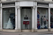 Dilapidated frontage of Austin Reed shop, 1,000 jobs are at risk at 116-year-old tailoring brand where administrators are to be appointed, Stratford upon Avon - John Harris - 25-04-2016