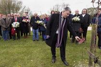 Mick Cash and RMT International Workers Memorial Day, memorial tree and plaque, National Memorial Arboretum, Alrewas, Staffordshire - John Harris - 28-04-2016