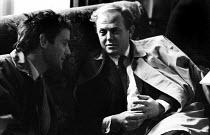 Classical composers Peter Maxwell Davies and Malcolm Williamson talking, London 1965 - Romano Cagnoni - 08-04-1965