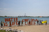 Marysville, Michigan Protest for the shutdown of the Enbridge Energy 98 year old oil pipelines that cross the St. Clair River between the USA and refineries in Canada. Shut Down Line 5, Water is life - Jim West - 25-05-2016