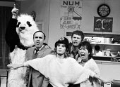 The Garden Of England, staged at the Shaw Theatre, London, 1985 written and performed by the 7:84 Theatre Company and based on the 1984-1985 Miners Strike. (L to R) Andy Smith in panda costume, Pip Do... - Stefano Cagnoni - 1980s,1985,7:84,ACE,act,acting,actor,actors,Andy Smith,Arts,BBC,Casualty,cities,city,costume,Culture,Derek Thompson,disputes,drama,DRAMATIC,entertainment,Eve Bland,Garden,GARDENS,historical drama,INDU