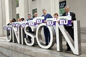 Dave Prentis, Unison General Secretary and health workers with Unison Vote Remain, Don't Risk Our NHS banner, Unison HQ, Euston, London. - Jess Hurd - 2010s,2016,campaign,campaigning,CAMPAIGNS,care,Dave Prentis,democracy,EU,European Union,Euston,health,HEALTH SERVICES,healthcare,HQ,London,member,member members,members,NATIONAL HEALTH SERVICE,NHS,peo