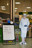 Take a selfie with the Queen, cardboard cutout of Queen Elizabeth II 90th birthday celebration weekend, Morrisons Supermarket, Stratford upon Avon - John Harris - 11-06-2016