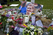 Vigil in Parliament Square for Jo Cox MP. Vigil in Westminster for murdered Labour MP, Jo Cox. Floral tributes from the British public to the MP line Parliament Square - Stefano Cagnoni - 17-06-2016