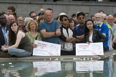 Memorial event to celebrate the life of murdered Labour MP, Jo Cox. Love Like Jo, Trafalgar Square, London. Reflections of her message in the waters of the fountain at Trafalgar Square are carried by... - Stefano Cagnoni - 22-06-2016