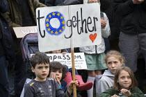 Pro EU membership demonstration Bristol - Paul Box - 2010s,2016,activist,activists,campaign,campaigner,campaigners,campaigning,CAMPAIGNS,child,CHILDHOOD,children,DEMONSTRATING,Demonstration,DEMONSTRATIONS,EU,Europe,European Union,female,females,girl,gir