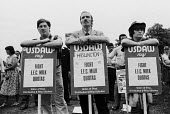 USDAW members protest against EEC Milk Quotas, Milk Marketing Board headquarters Guildford 1984 - Stefano Cagnoni - 1980s,1984,activist,activists,against,CAMPAIGN,campaigner,campaigners,CAMPAIGNING,CAMPAIGNS,Common Market,dairy,dairy produce quota,dairy production,DEFRA,DEMONSTRATING,demonstration,DEMONSTRATIONS,EE
