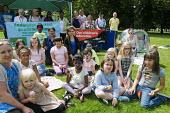 Redbridge Against Academisation RAA picnic organised by parents in solidarity with NUT strike, Christchurch Green, Wanstead - Stefano Cagnoni - 05-07-2016