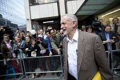Jeremy Corbyn outside Labour Party HQ after NEC meeting agreed to include him on ballot for leadership challenge, London - Jess Hurd - 2010s,2016,ballot paper,campaign,campaigning,CAMPAIGNS,challenge,DEMOCRACY,election,elections,Headquarters,HQ,Jeremy Corbyn,Labour,Labour Party,leadership,leaving,London,male,man,media,meeting,MEETING