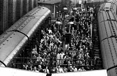 Early morning commuters arriving at Cannon Street Station, London, summer, 1965 - Patrick Eagar - 25-08-1965