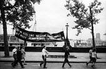 Demonstration against the Vietnam War, London, 1967. People walking along The Embankment towards Trafalgar Square to join the demonstration. - Patrick Eagar - 02-07-1967