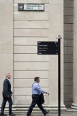 Street signpost to Bank of England, Threadneedle Street, City of London. - Philip Wolmuth - 18-08-2016