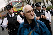 David Hoffman, photographer. Bash The rich, Class War demonstration, Notting hill. London. - Jess Hurd - 2000s,2007,activist,activists,anarchist,ANARCHISTS,anarchy,anti rich,CAMPAIGN,campaigner,campaigners,CAMPAIGNING,CAMPAIGNS,CLJ,David Hoffman,DEMONSTRATING,Demonstration,DEMONSTRATIONS,harassment,media