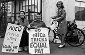 Women at TRICO on strike for Equal Pay picketing, Brentford, London, 1976 - Chris Davies - 1970s,1976,at,AUEW,campaign,campaigning,CAMPAIGNS,dispute,DISPUTES,Equal Pay,Equal Rights,equality,FACTORIES,factory,fair pay,female,feminism,feminist,feminists,gate,gates,INDUSTRIAL DISPUTE,inequalit