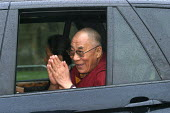 The Dalai Lama during his 2004 visit to Scotland. Arriving Dunfermile Abbey, Scotland - Mark Pinder - 2000s,2004,ARRIVAL,arrivals,arrive,arrives,Arriving,Belief,buddha,Buddhism,buddhist,buddhists,Dalai Lama,monk monks,peace pacifism,POL politics,RLB Religion,RLB religion & belief,Scotland,Scottish,spi