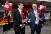 2007 Sedgefield by-election.Former PM Tony Blair lends his support to Phil Wilson who has been chosen to defend the Sedgefield constituency for Labour. Labour campaign HQ, Newton Aycliffe Co Durham. - Mark Pinder - balloon balloons,labour party,POL politics,2007,2000s,County Durham