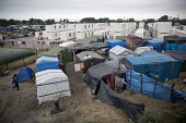 Refugees in the remaining Calais Jungle camp, France. - Jess Hurd - 07-09-2016